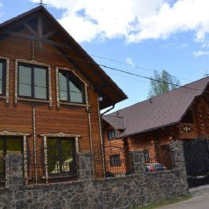 Гостинний двір Поляна
